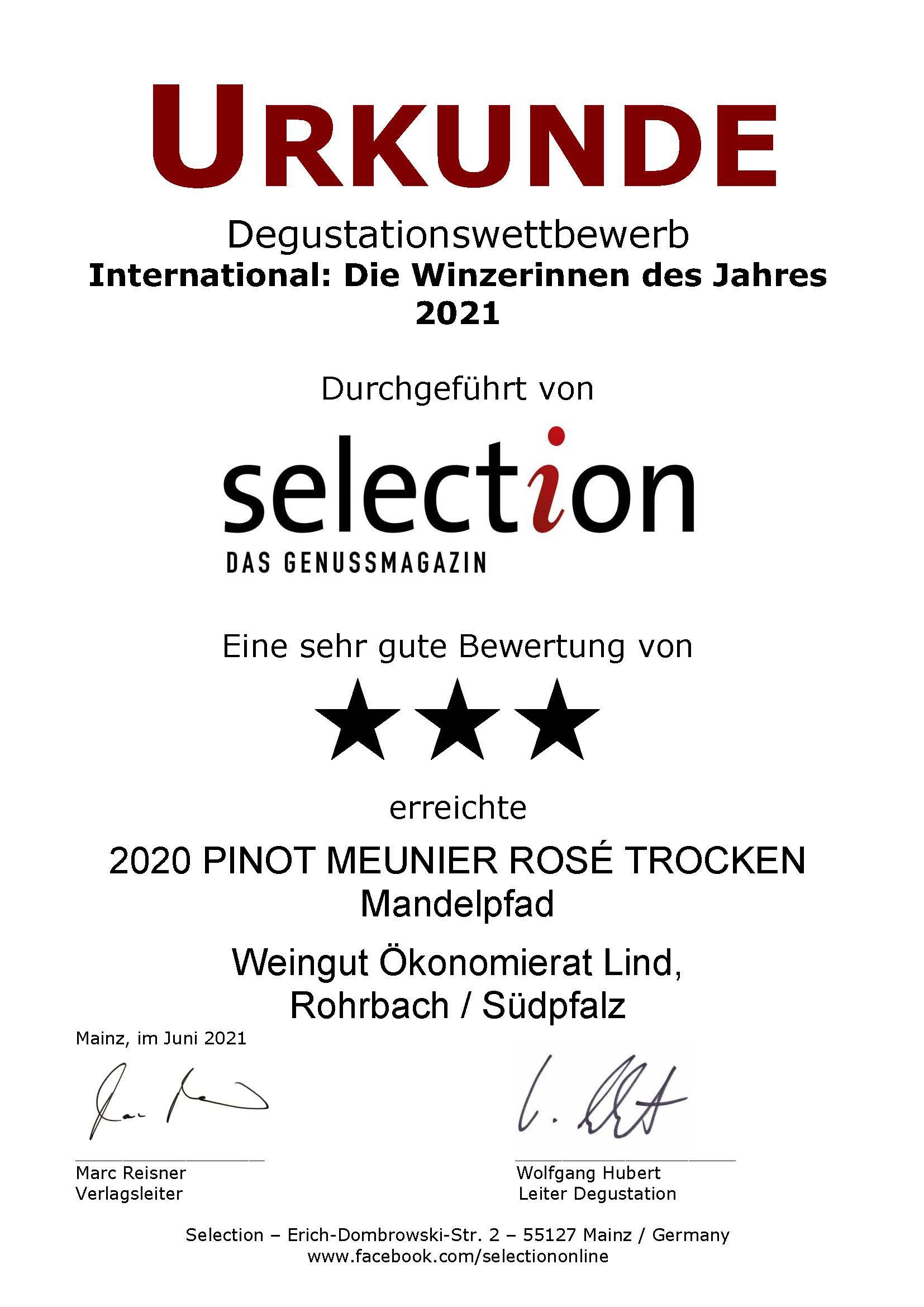 """3 Sterne beim internationalen Degustationswettbewerb """"International: Die Winzerinnen des Jahres 2021"""". Unser 2020 PINOT MEUNIER ROSÉ TROCKEN Mandelpfad wurde von der Weinfachzeitschrift Selection mit einer Silbermedaille ausgezeichnet."""